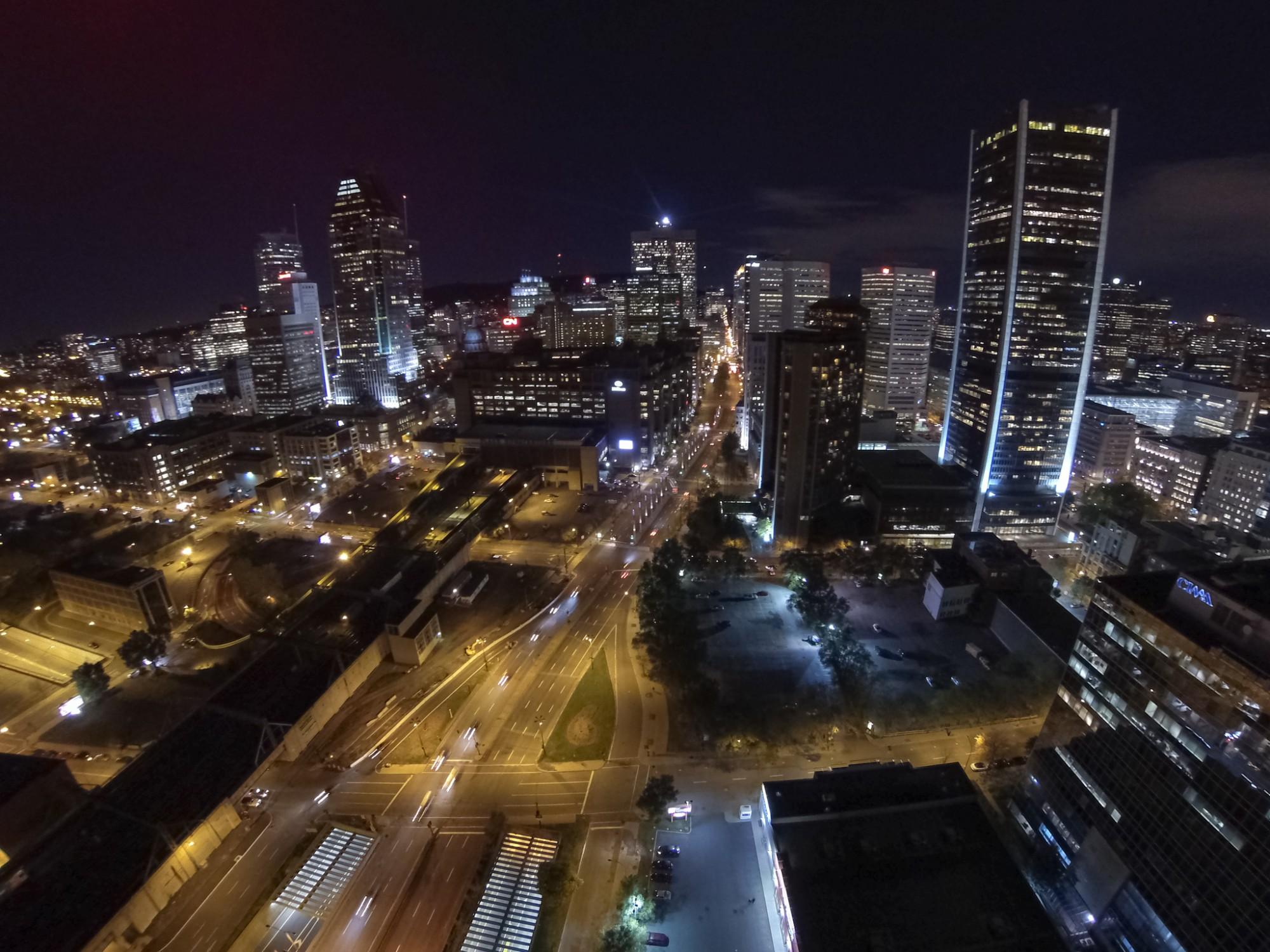 Centre-ville de Montréal, pres de l'autoroute Bonaventure.