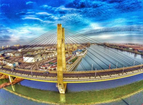 Pont et fleuve