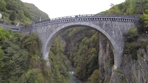 pont napoleon a luz-st sauveur